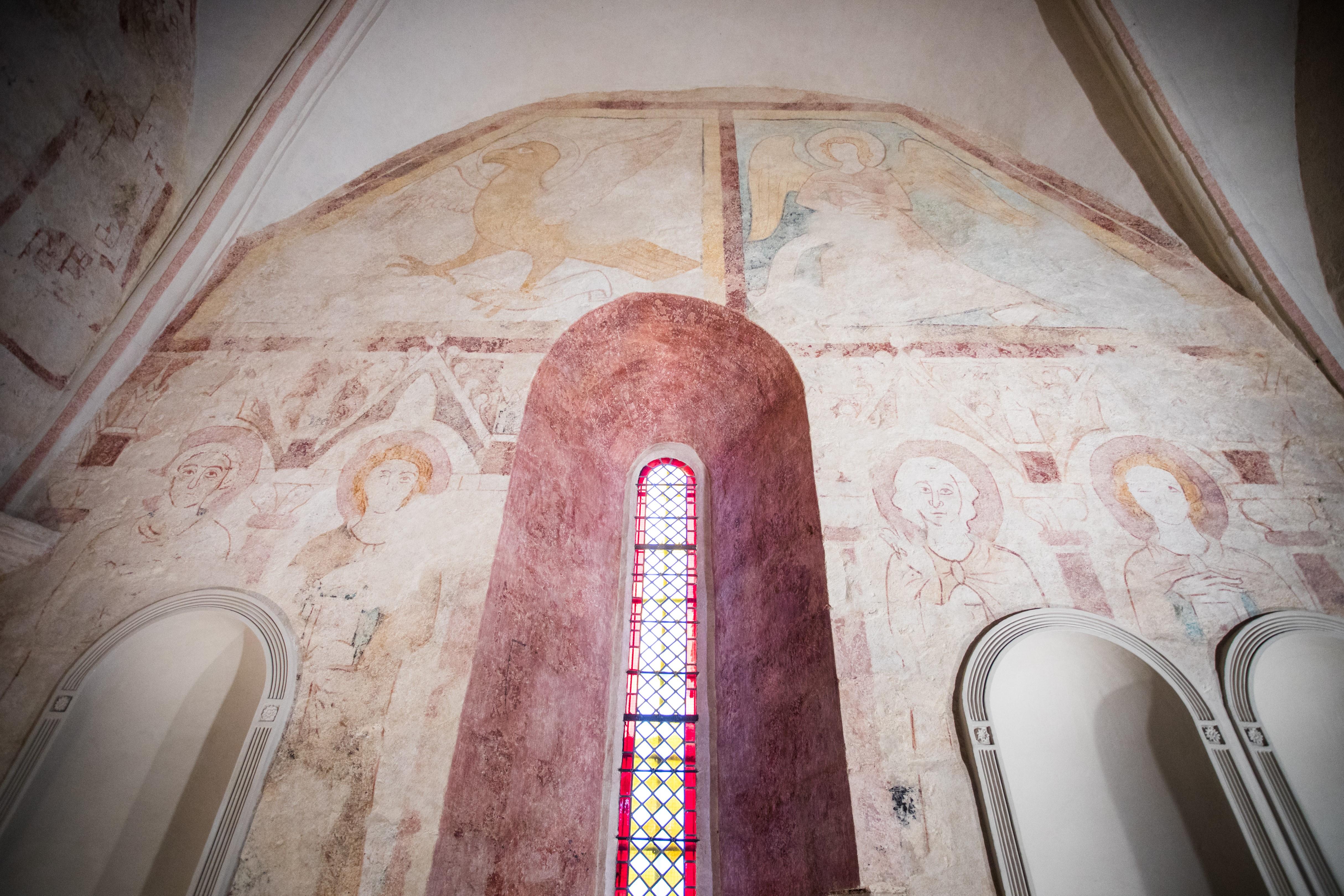 Peintures murales médiévales après restauration dans l'église de Bouligneux (01) - 06.11.2019 - Flore Giraud
